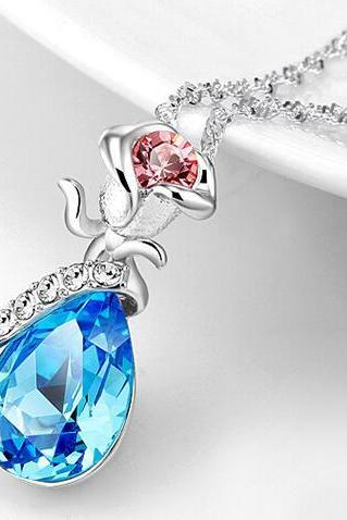 Fashion Women's Crystal Pendant Necklace - Blue