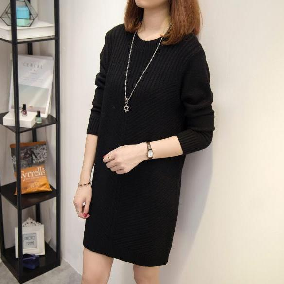 Black Knitted Crew Neck Long Sleeved Short Sweater Dress